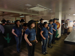 Animation Danse Country au Buffalo Grill
